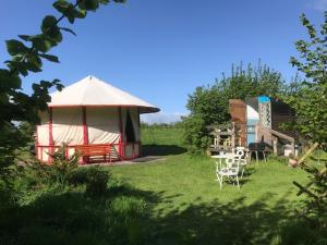 Acorn Ponds Glamping , free night midweek offer. That's an amazing offer!! Image