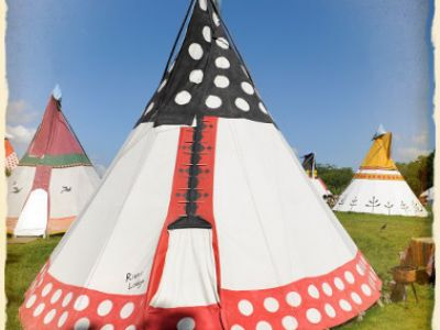 4 Winds Lakeland Tipis Image